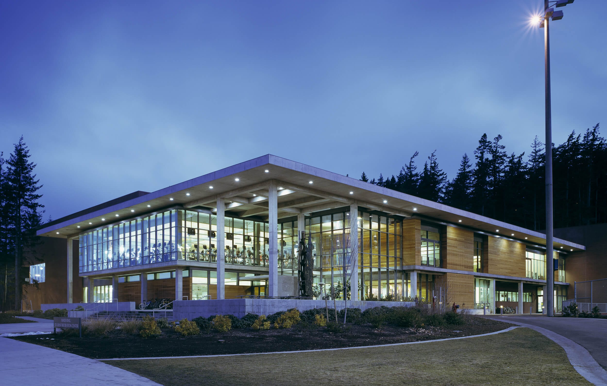 Expand WWU Wade King Recreation Center Exterior