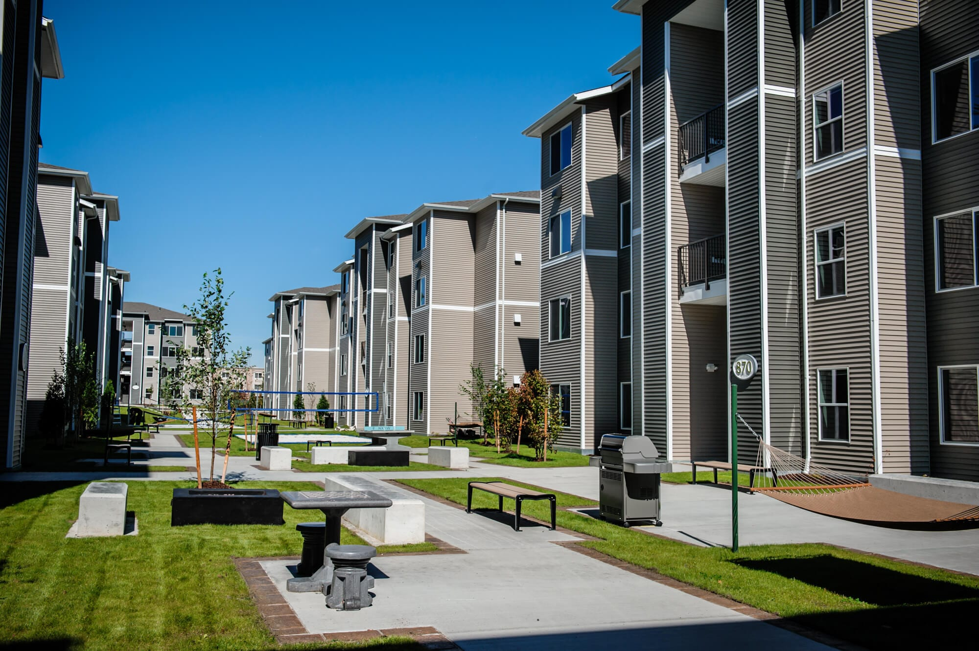 Viking Circle Apartments Exterior