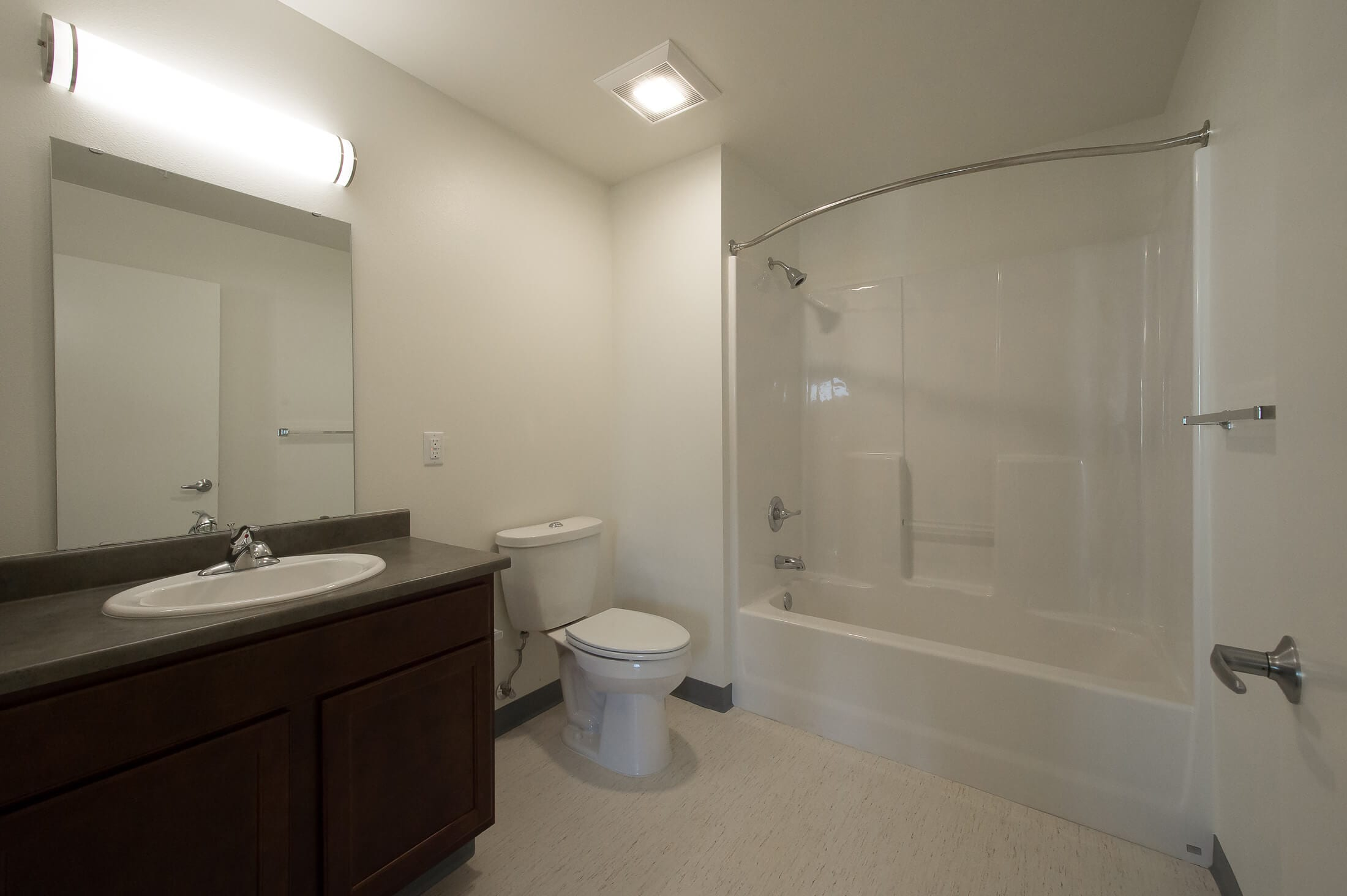 Expand Bakerview Bathroom Interior