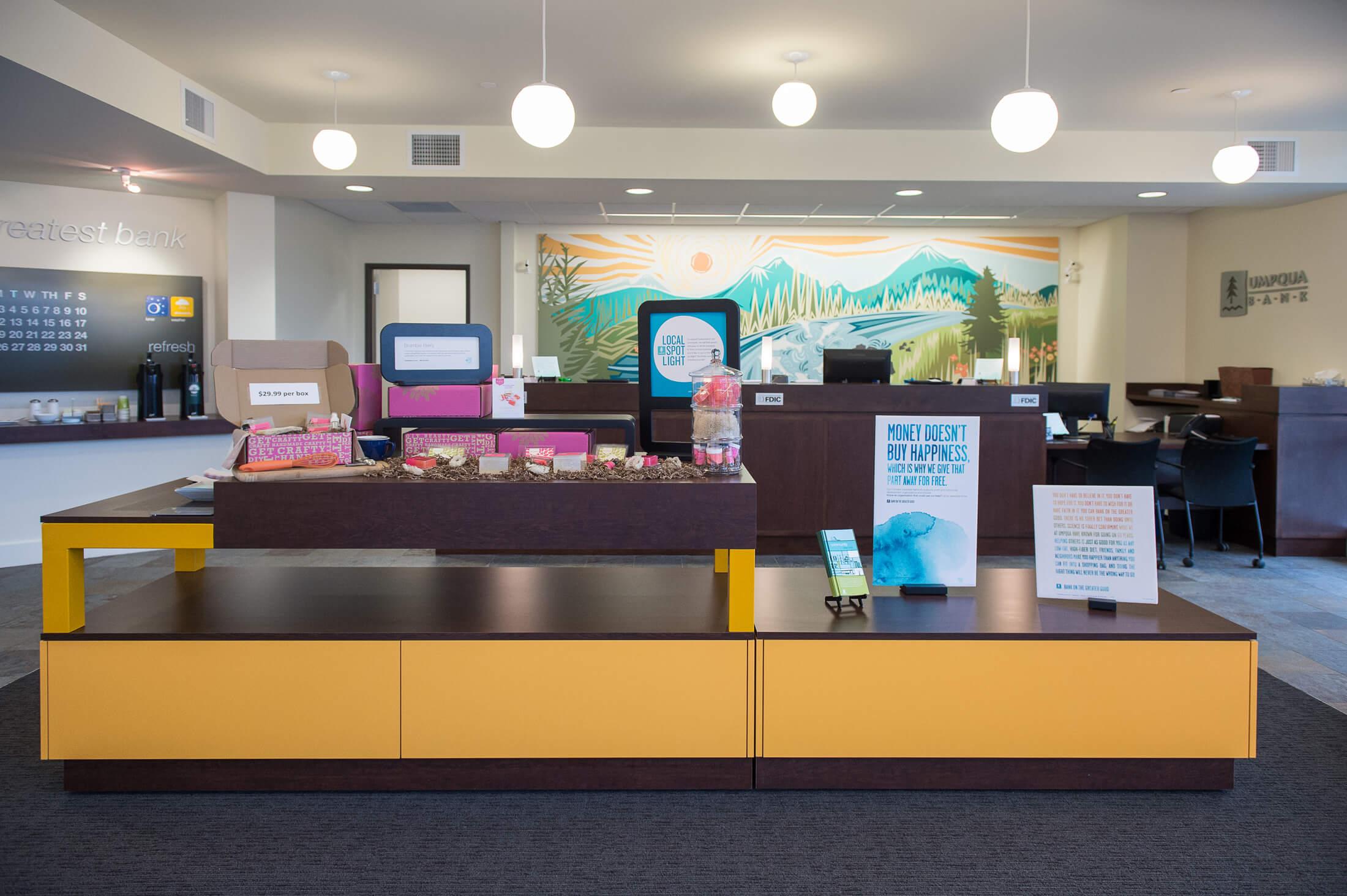 Expand Umpqua Bank Interior