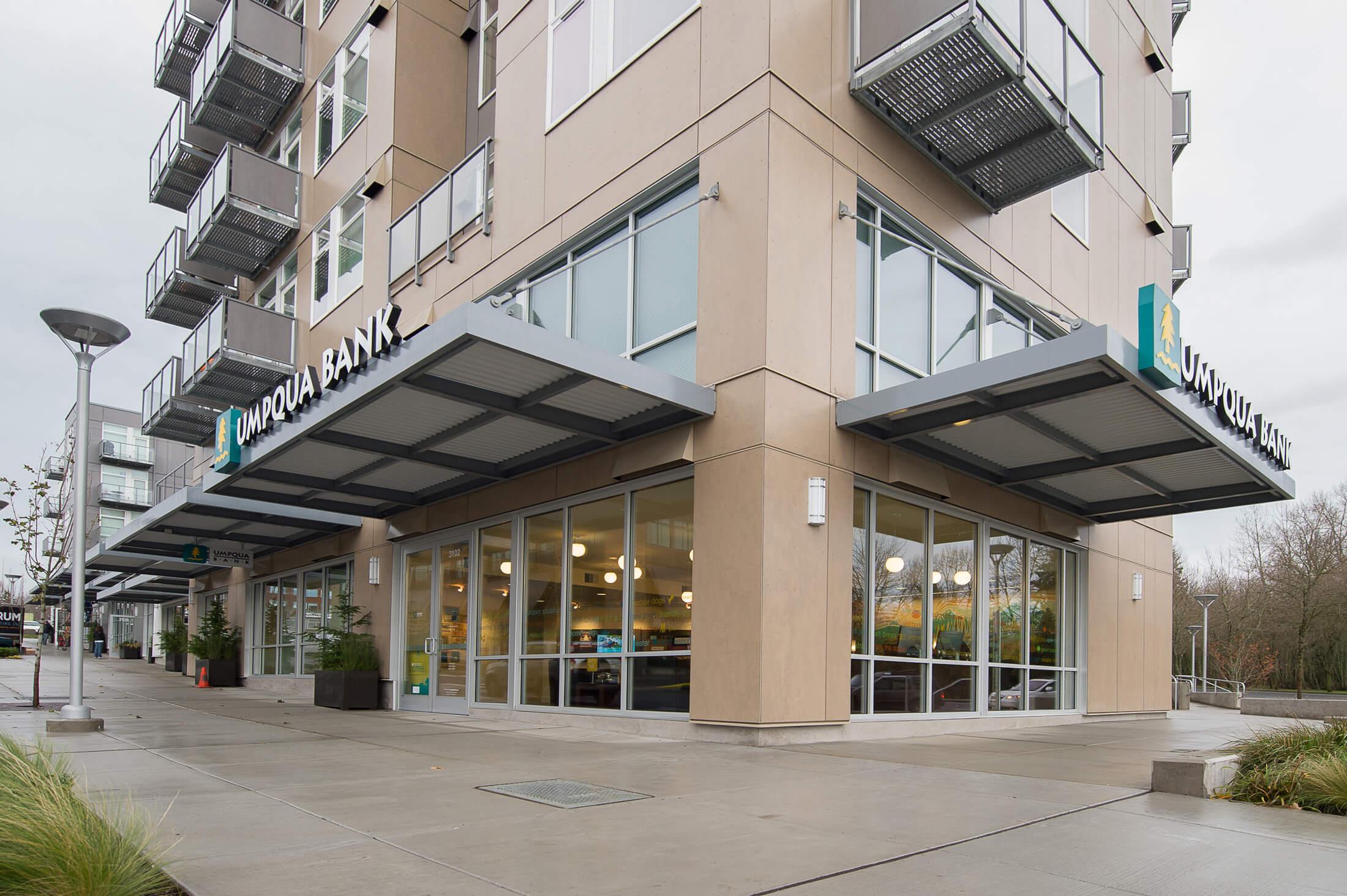 Expand Umpqua Bank Exterior