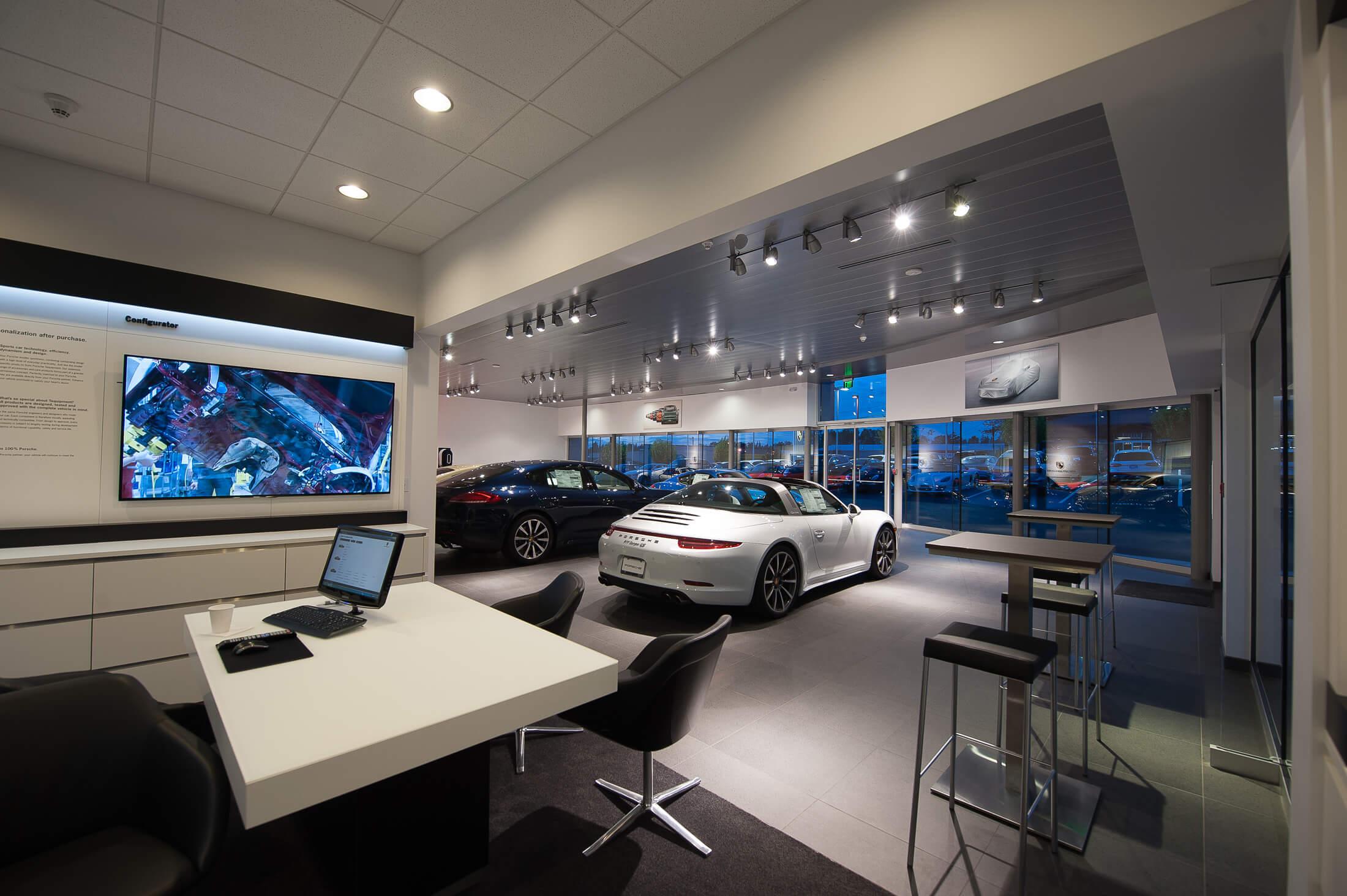 Expand Roger Jobs Motors Salesroom