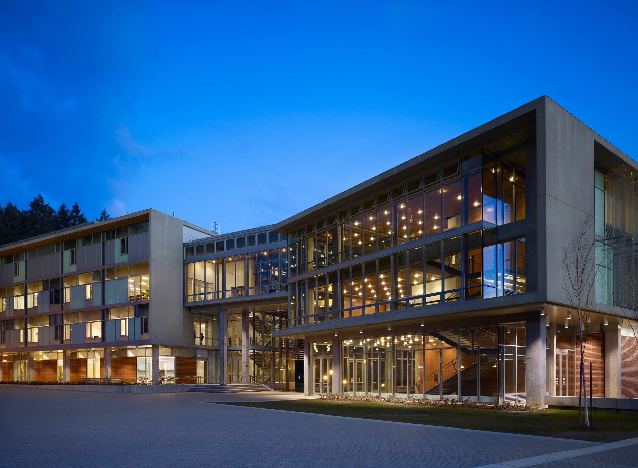 Expand WWU Academic Instructional Center Exterior