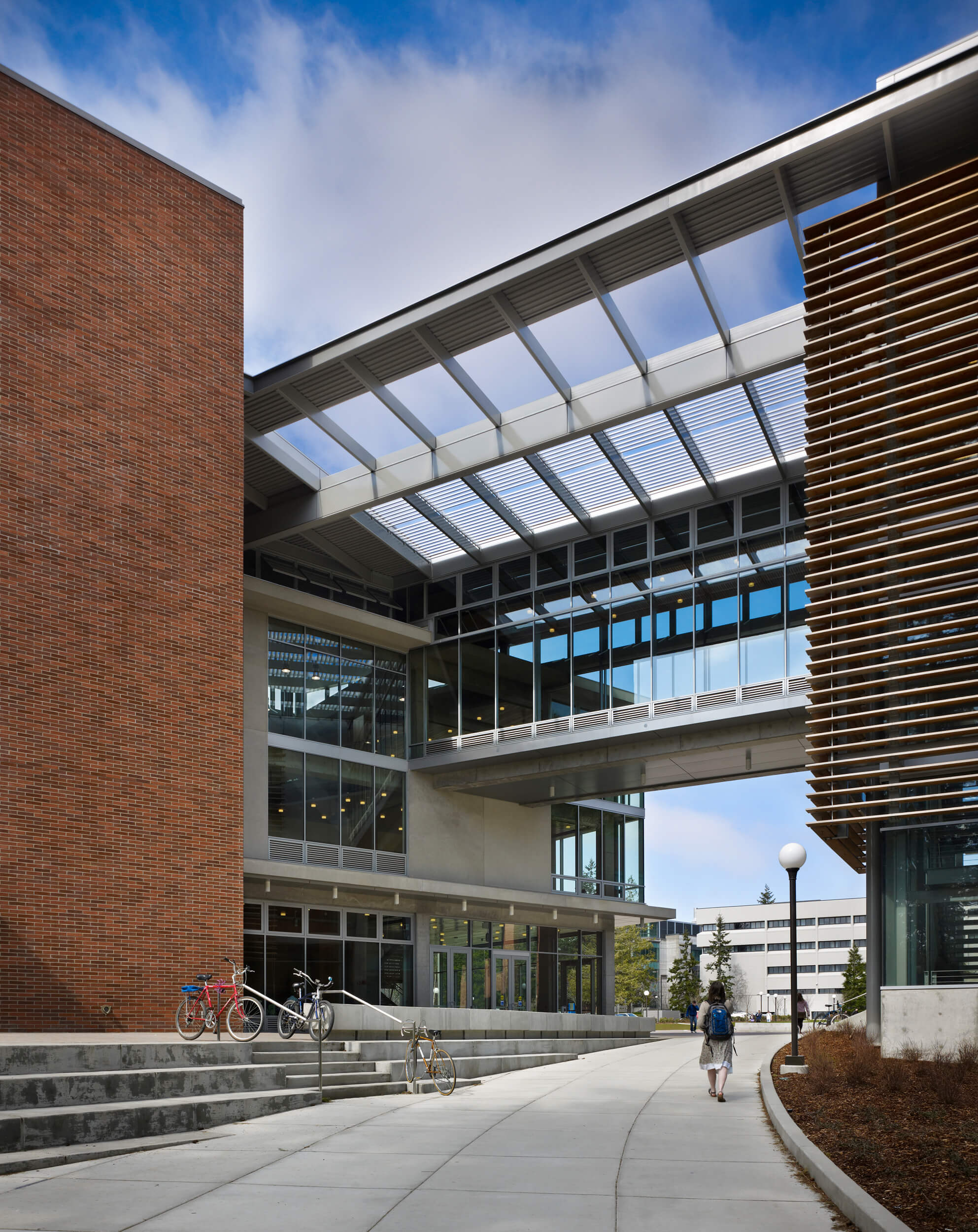 Expand WWU Academic Instructional Center Entrance