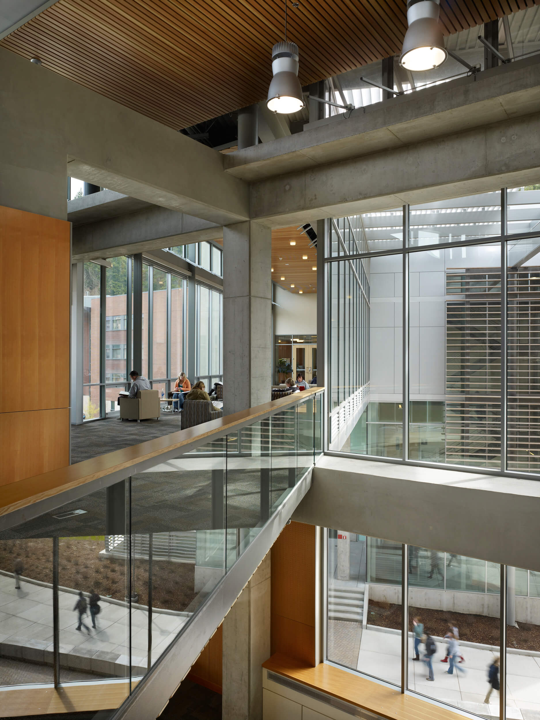 Expand WWU Academic Instructional Center Interior Pathways